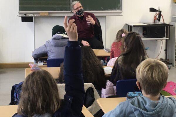 EinRedakteur im Klassenzimmer